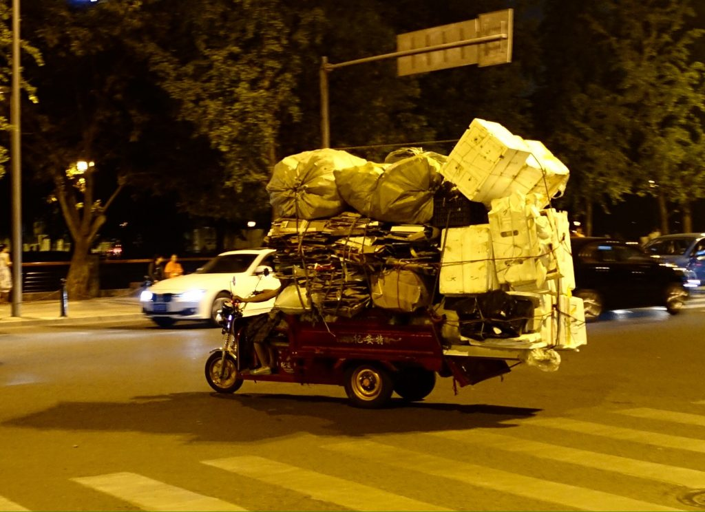 PIcture of overloaded 3 wheeled vehicle in Chengdu
